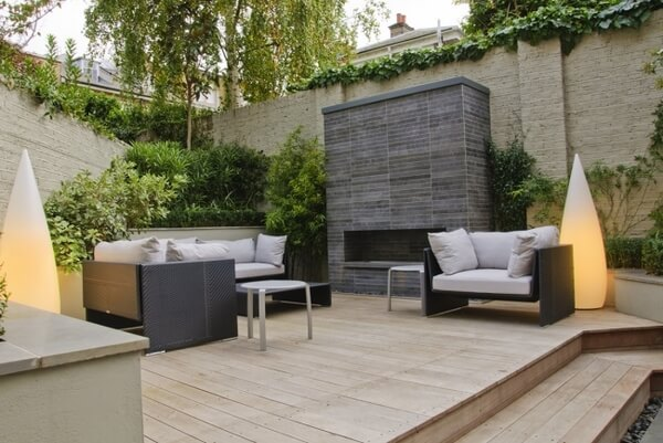 Zona de Jardim e Terraço com madeira